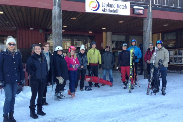 Waiting for the first morning ski bus in front of the congress hotel